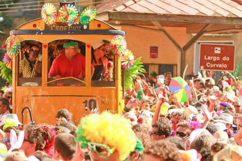 ceu_na_terra_carnaval_rua_r