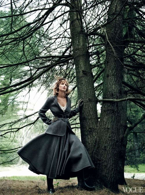jennifer-lawrence-in-vogue-magazine-september-2013-issue_6
